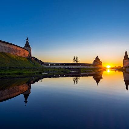 A dreamy evening stroll around the Pskov Kremlin