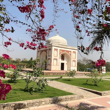 Splendours of Delhi: Sunder Nursery & Akshardham Temple