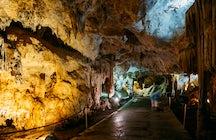 Les grottes de Nerja, en Andalousie : une magie souterraine