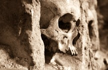 The story of Cele-kula, an eerie tower built from human skulls