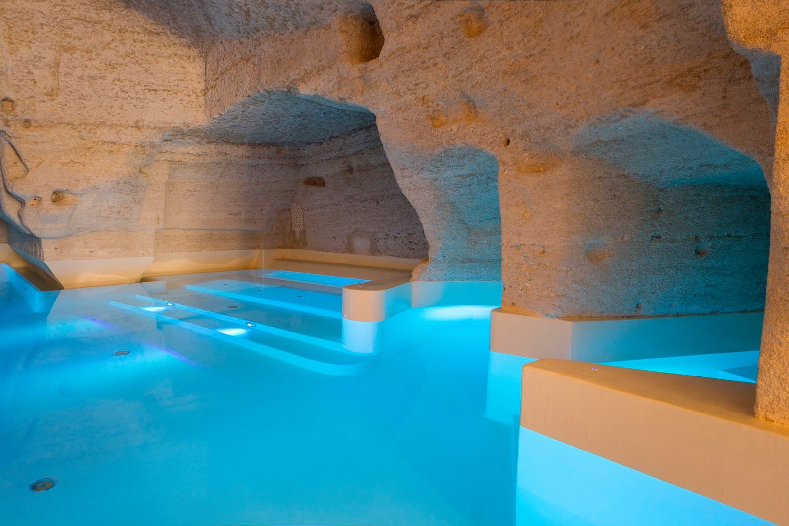 © Offical Facebook page Aquatio Cave Luxury Hotel&Spa