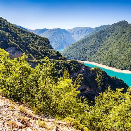 Disfrute de unas vacaciones activas en el Parque Natural Piva!
