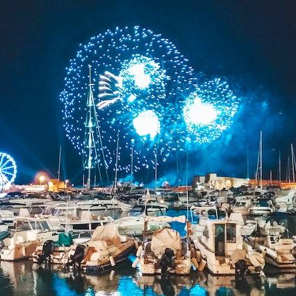 Fuegos artificiales sobre el mar - Festival dell'Arte Pirotecnica in Trani