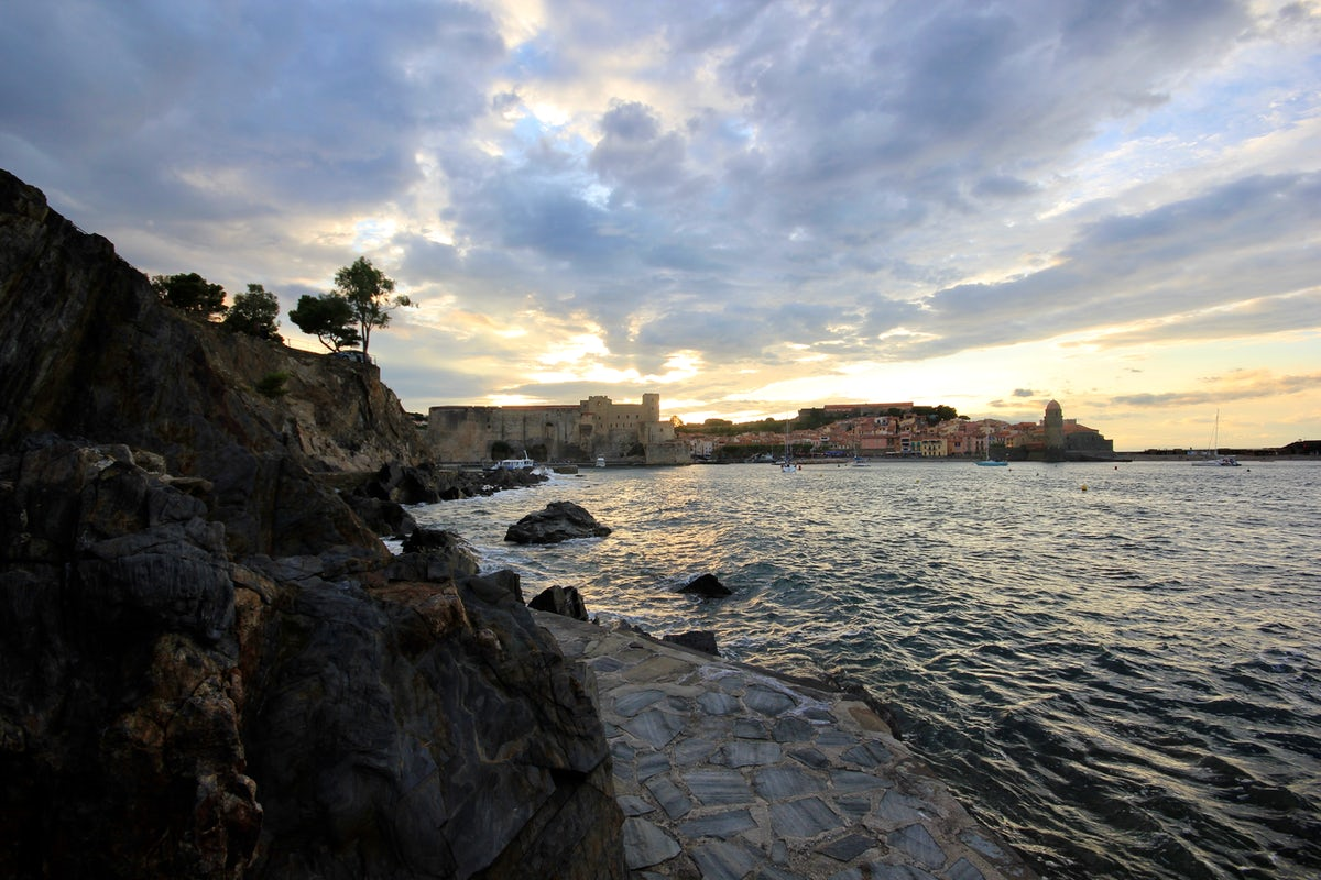 Coastal hike to a picturesque French village,  Collioure