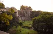 Hauz Khas Fort, Delhi: Rendezvous with history