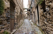Having a walk in Bussana Vecchia the Artist's village of Liguria Ponente