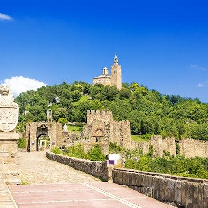 La milenaria colina de los cuentos de hadas de Tsarevets en Veliko Tarnovo