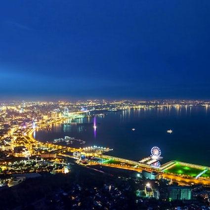 Arquitectura impresionante de la moderna Bakú