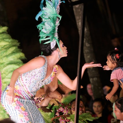 De vreugde van oostelijk Bolivia in het carnaval van Santa Cruz