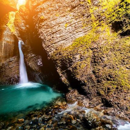 Eine zeitlose Schönheit der Kozjak Wasserfälle