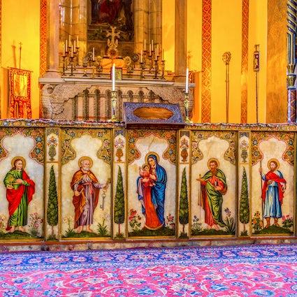 Sagrado Ejmiadzin: el lugar donde descendió el Unigénito