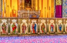 Heiliger Ejmiadzin: Der Ort, an dem die Eingeborenen herabgekommen sind