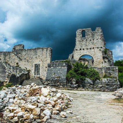 Istrien's verlassene und verfluchte Steinstadt: Dwigrad
