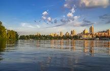 Le quai d'Obolon - un endroit idéal pour les promenades à Kiev