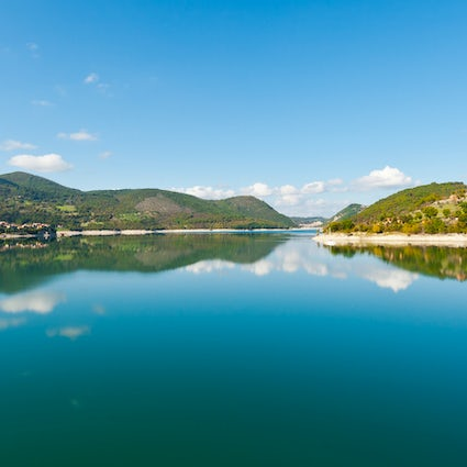 Discover lake Turano and its beautiful villages