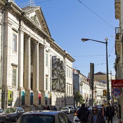 Stroll along the vibrant hood of Príncipe Real, Lisboa
