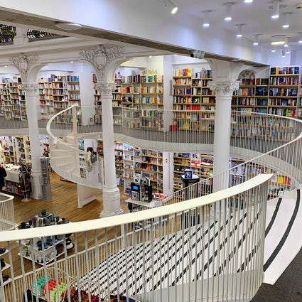 Cărtureşti Librería Carousel Bucarest, el país de las maravillas de los libros
