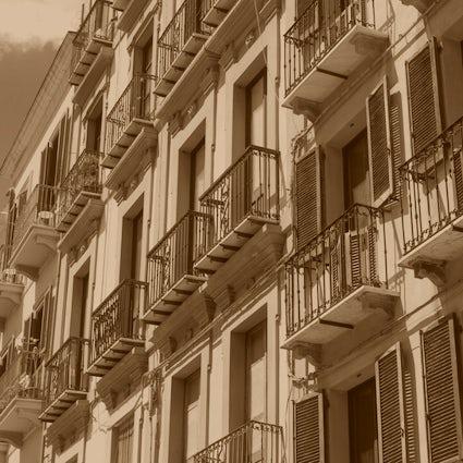 O Café Suíço e o fantasma em Cagliari, Itália