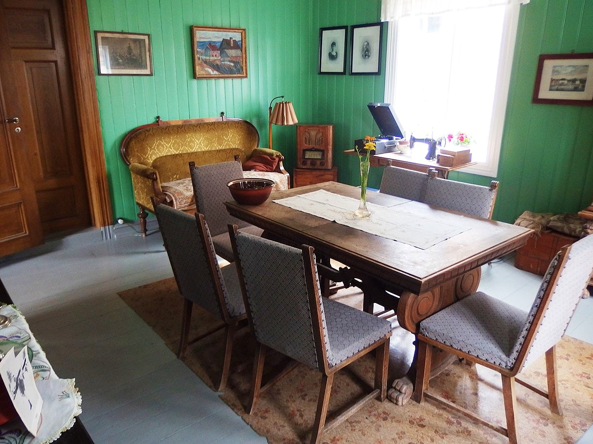 The Lillehammer open-air lifestyle museum