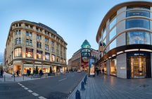 Königsallee, the best shopping street in Düsseldorf