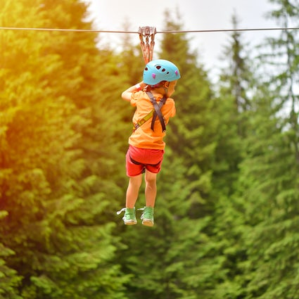 Sea un temerario en Escapade Adventure Park Cumpătu