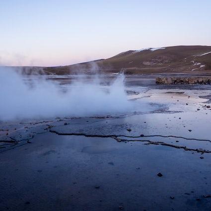 Cuda natury; gejzery El Tatio i gorące źródła Puritama
