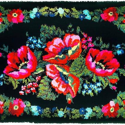 Tyumen carpet - a bright winter dream about summer