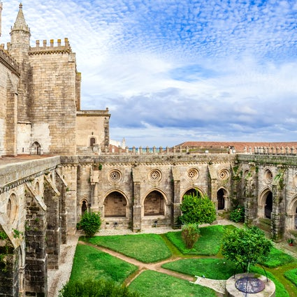 Évora, a city with unique monuments and great wine