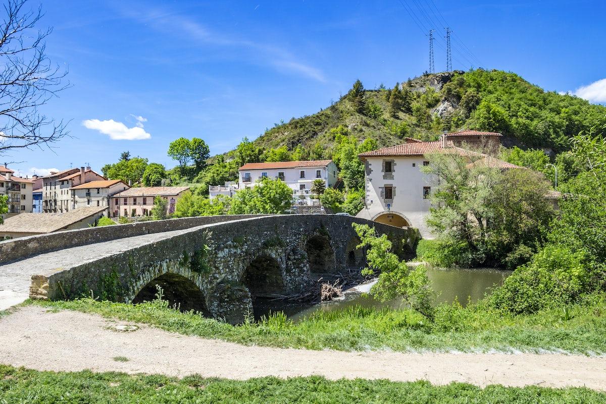 Hiking from Larrasoana to Pamplona
