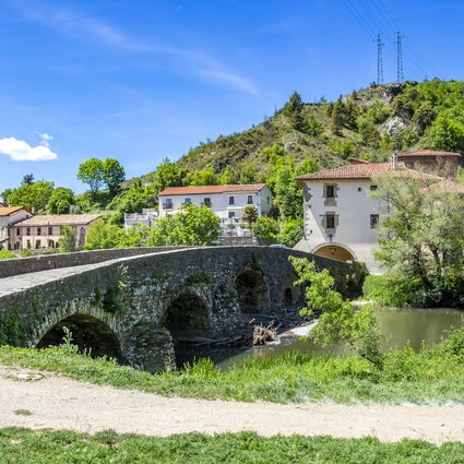Hiking from Larrasoana to Pamplona