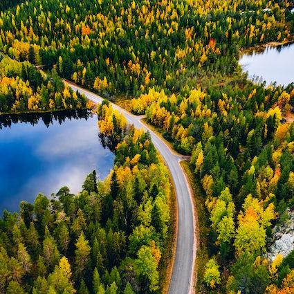 Finlande : le pays le plus heureux du monde et ses mille lacs