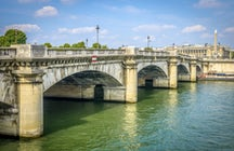 Iconic bridges in Paris: Concorde