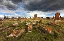 Cementerio histórico y misterioso de Noratus Khachkar