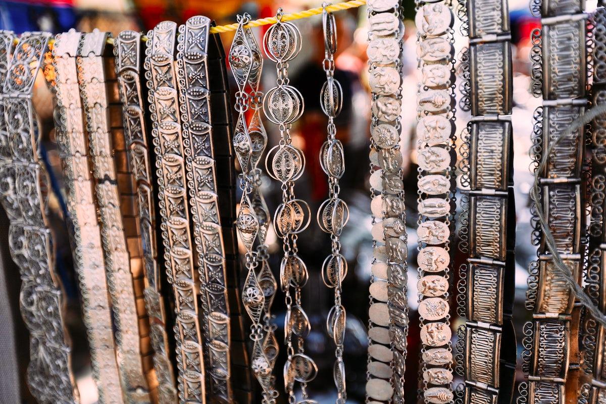 Where to find unique souvenirs in Yerevan? - Vernissage