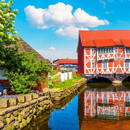 Canaux et histoire à Wismar, en Allemagne