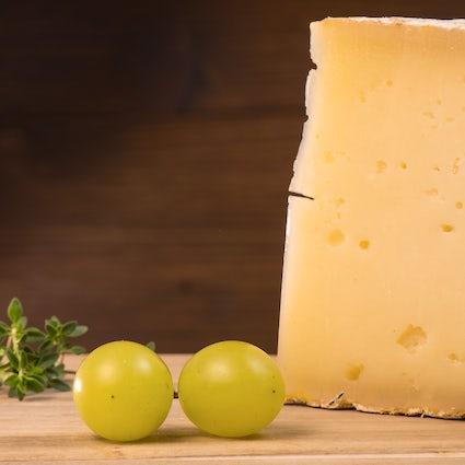 El queso duro Pirot, un sabor de las montañas serbias