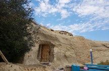 Leyendas y entierros alrededor de la necrópolis Shopan ata en Mangystau