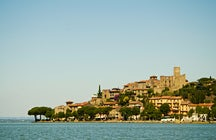 Passignano sul Trasimeno, a hamlet by the shore