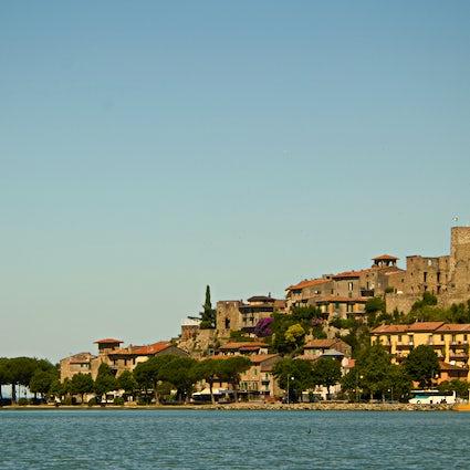 Passignano sul Trasimeno, a hamlet by the shore