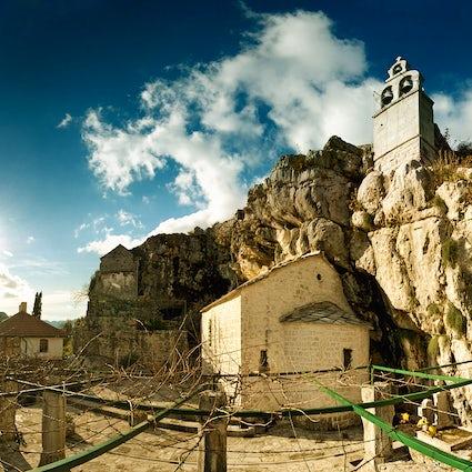 El Monasterio de Zavala, una joya ortodoxa fascinante