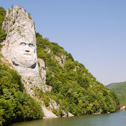 Decebalus, the last Dacian king immortalized on the Danube River