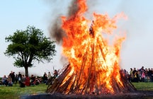 Kresovanje – the bonfire party in Slovenia