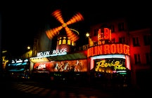 Nightlife in Paris: spectacular French cabarets