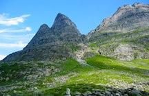 Montaña noruega de Navidad Innerdalstårnet