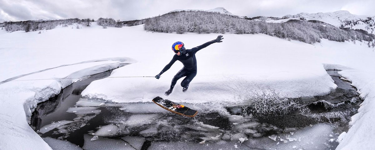 Only in Bosnia: Snow-wakeskating