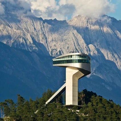 Il capolavoro di Zaha Hadid a Innsbruck - Salto con gli sci a Bergisel