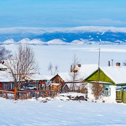 """""""En los bosques de Siberia"""" filmando localizaciones de una película de supervivencia francesa"""