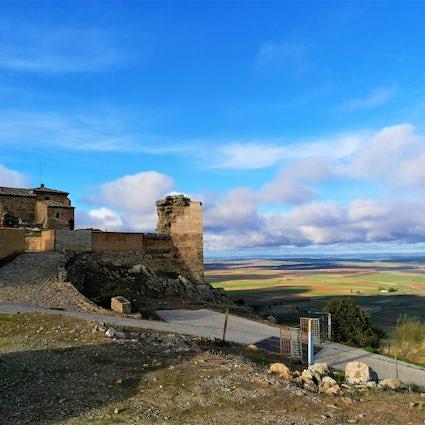 Regina & Reina, une ville romaine dominée par un château arabe