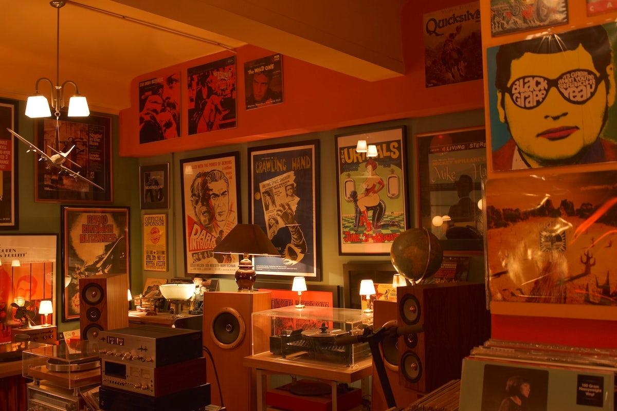 Vinilyo & Music Machine Records in Athens
