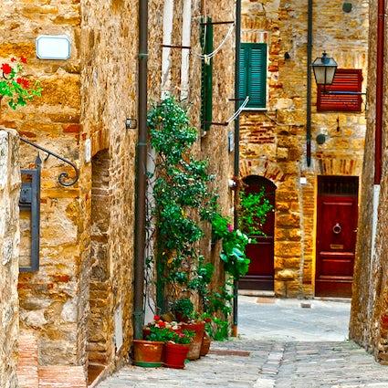 Visiting Cetona, a charming Tuscan village